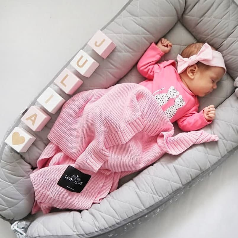 Американские специалисты рекомендуют класть наспинку всех малышей догода (за исключением детей снарушениями развития дыхательной системы). Сон наживоте считается максимально небезопа...