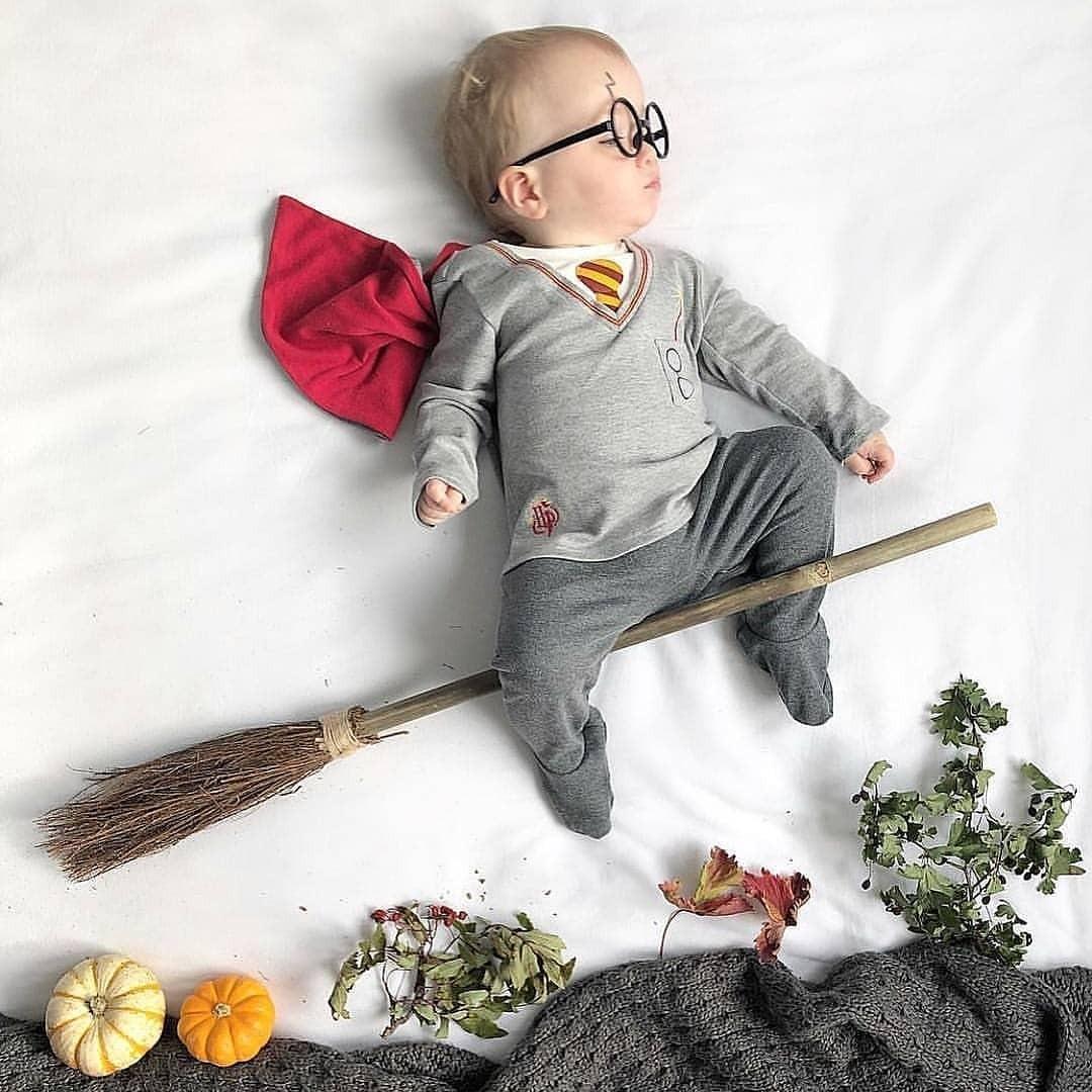 По данным исследований, соски-пустышки снижают риск внезапной смерти младенца во время сна даже, если регулярно выпадают изо рта.