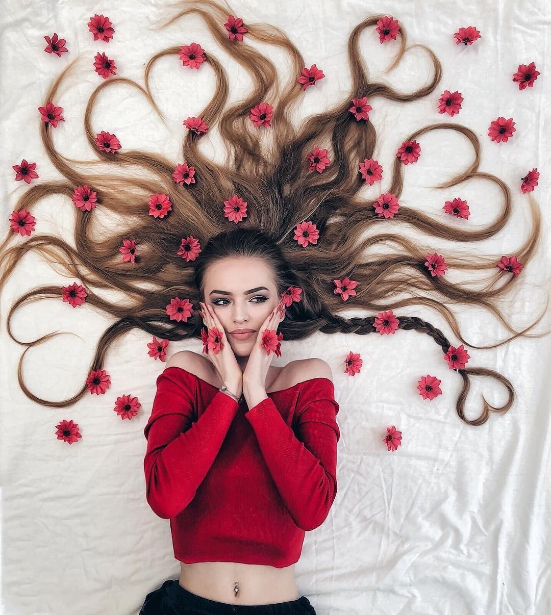 Голландская Рапунцель создает фантастические картины из собственных волос