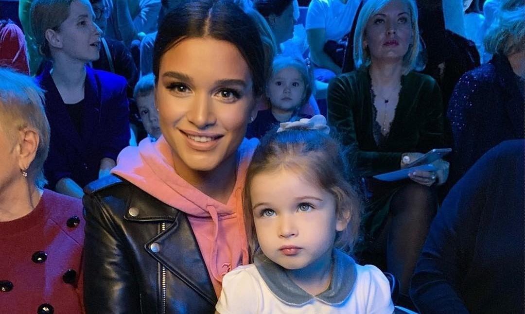 Истерика дочери Ксении Бородиной стала поводом для насмешек в сети