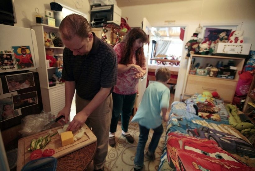 «Маленькая, зато своя»: 9 крошечных квартир по всему миру и как в них выживают