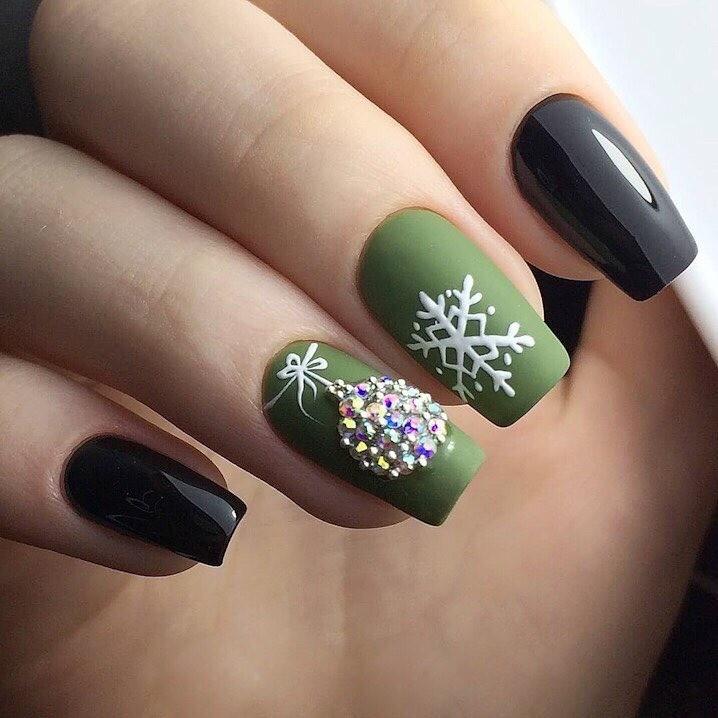 Новогодний маникюр: 70 красивых идей дизайна ногтей, которые принесут удачу