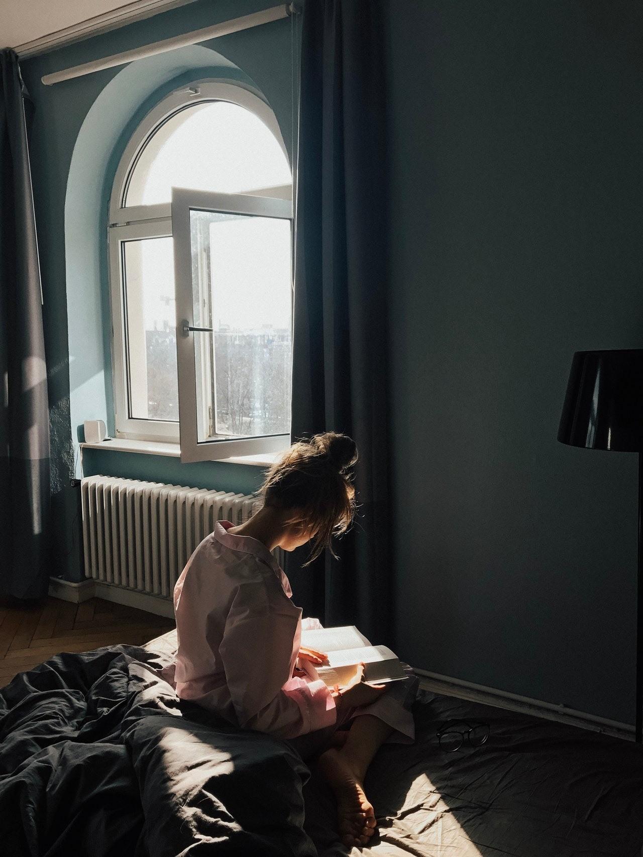 Паранойя и низкая самооценка: детские травмы знаков Зодиака