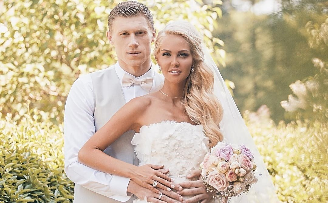 Павел и Мария Погребняк сыграют четвертую свадьбу
