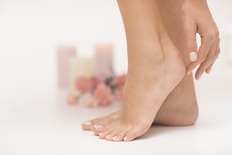 Как избавиться от сухости на пятках? 5 проблем ног зимой