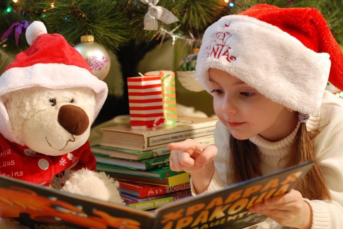 13 новогодних подарков для девочек от 450 до 3500 рублей