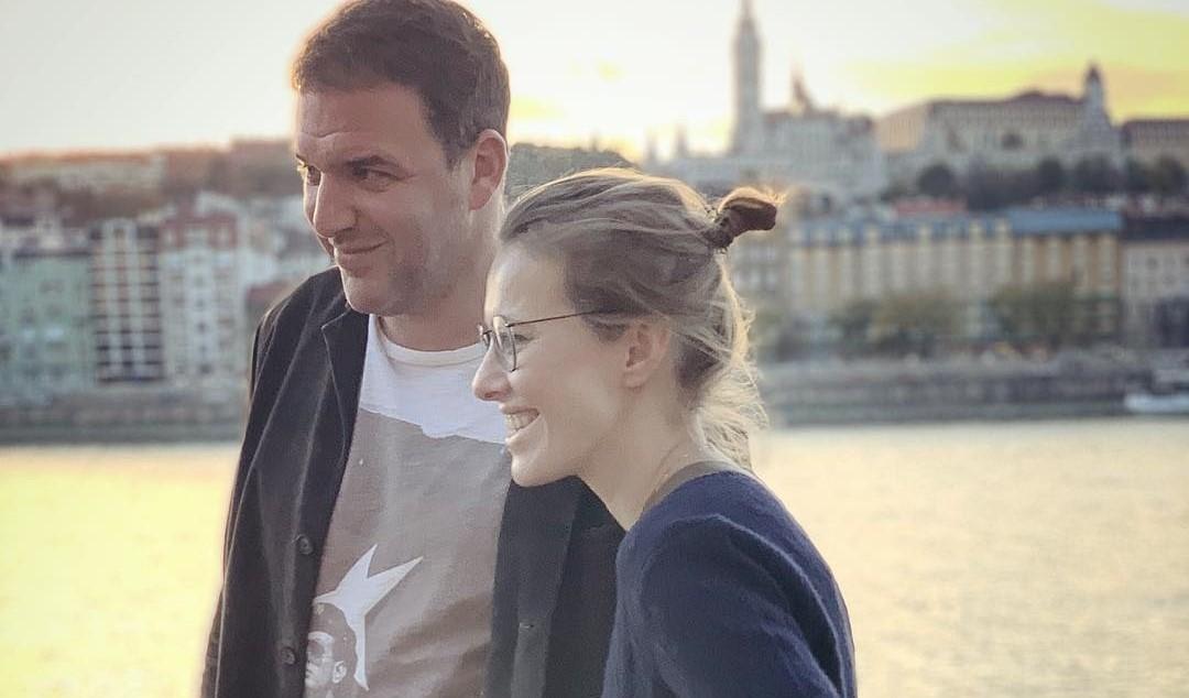 В сети пишут, что Ксения Собчак ушла от мужа