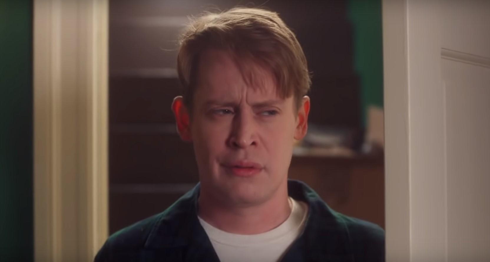 Маколей Калкин повторил сцены из фильма «Один дома» спустя 18 лет