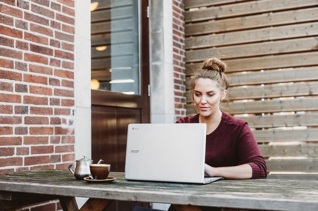 Как стать копирайтером с нуля без образования: с чего начать и как зарабатывать