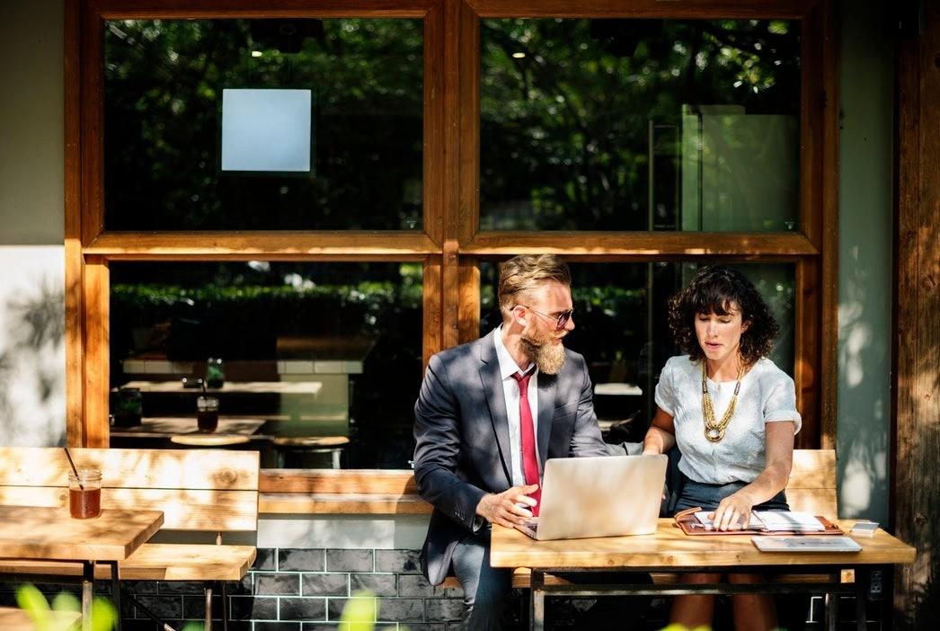 Мужской взгляд: какой должна быть идеальная женская работа