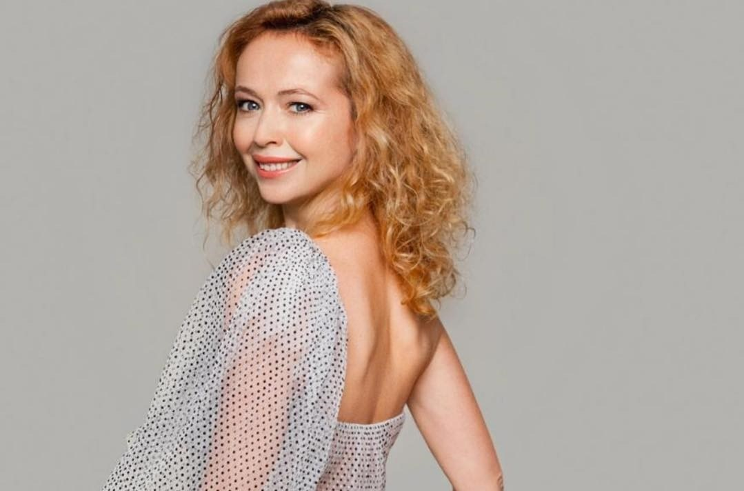43-летняя Елена Захарова опубликовала фото без макияжа