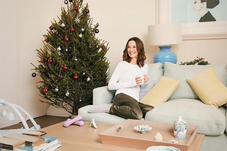 Пиппа Миддлтон снялась в рождественской фотосессии спустя два месяца после родов