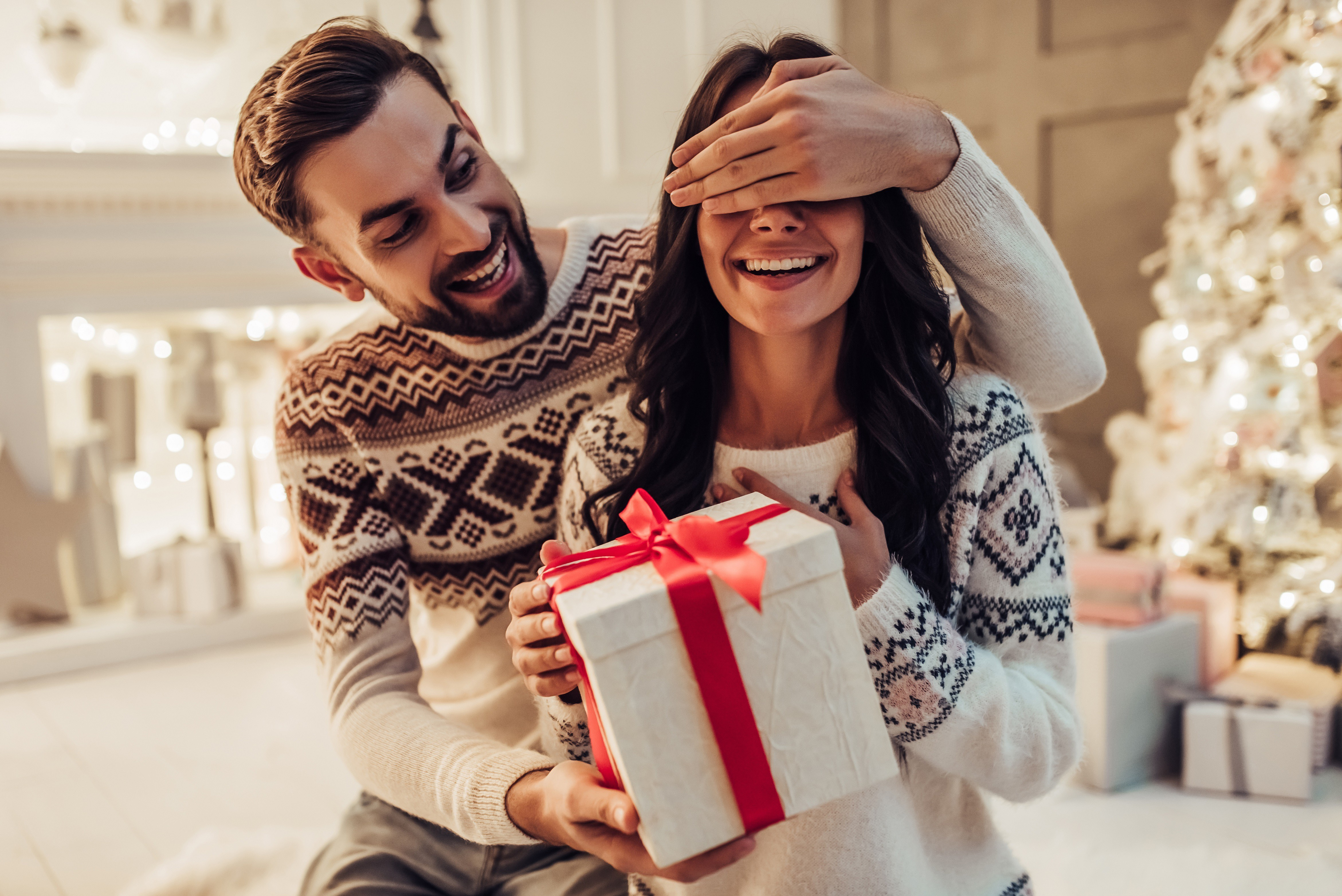 Как грамотно дарить подарки? 8 важных правил