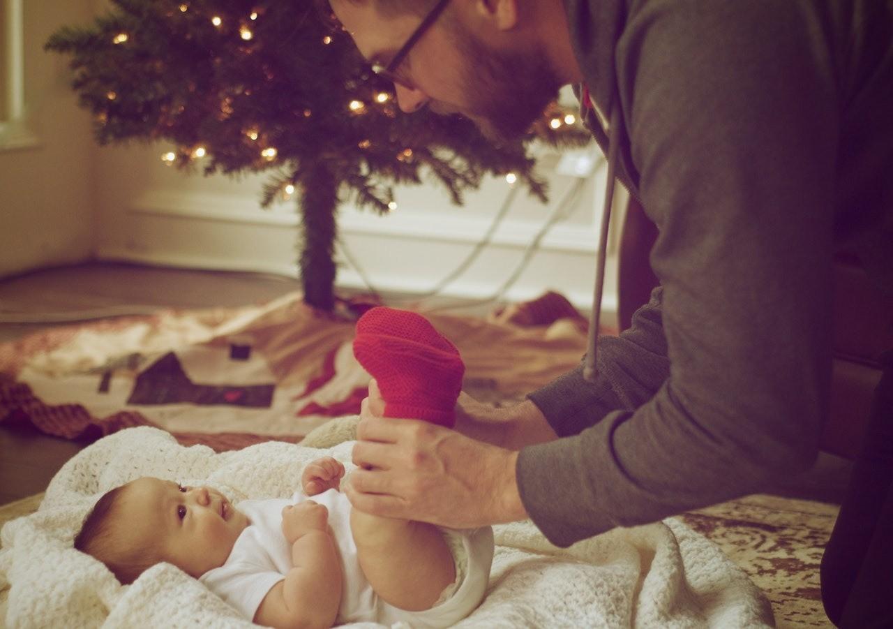 Самое первое торжество: как организовать Новый год с пользой для младенца?