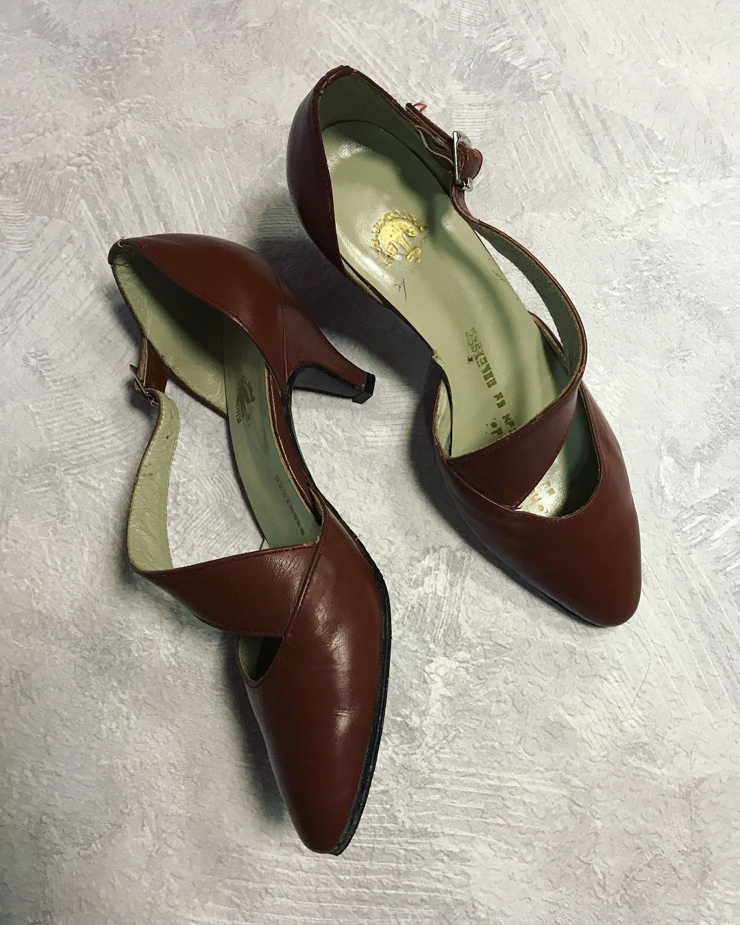 Советскую обувь часто ругают з&...