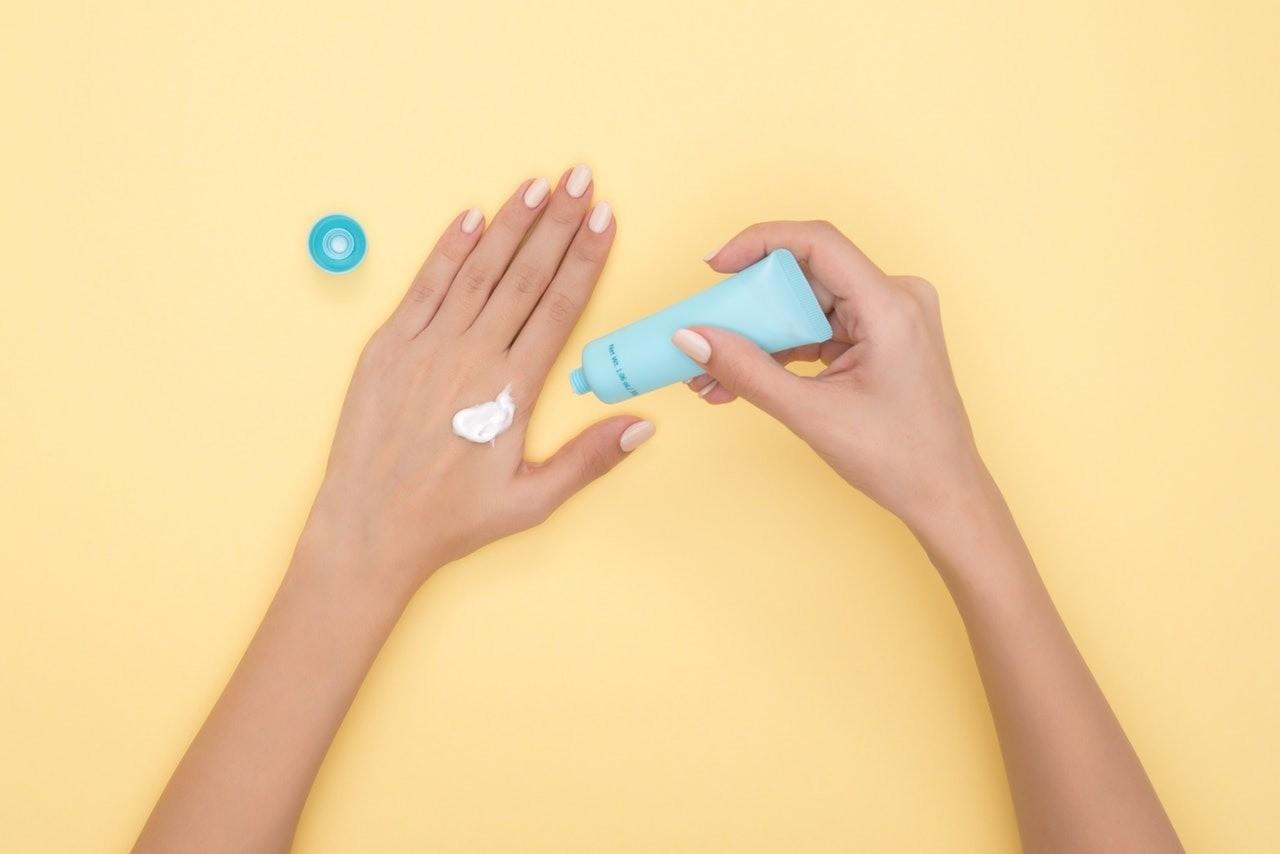 5 незыблемых правил, как ухаживать за кожей рук зимой