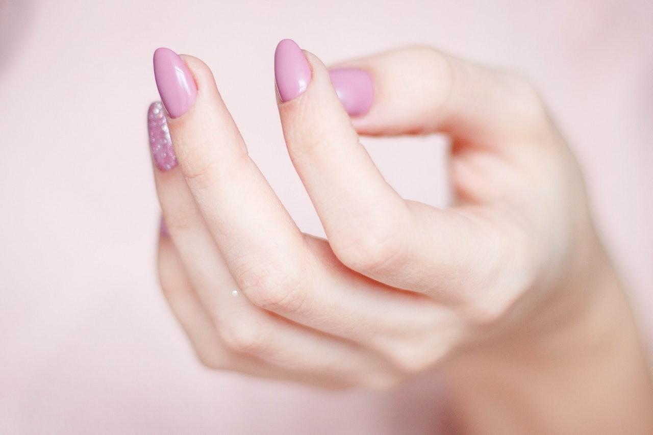 7 плохих привычек, которые портят внешний вид ногтей