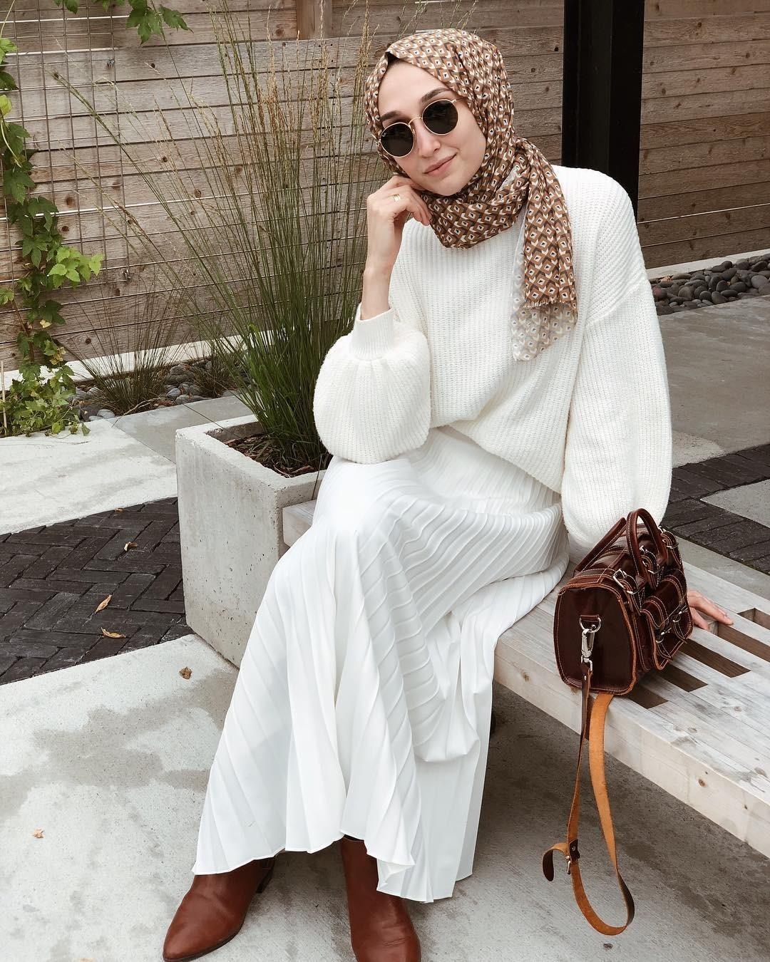 Одежда вдухе modest fashion предназначена также длядевушек иженщин, предпочитающих более закрытые иблагопристойные наряды, независимо отвероисповедания. Дизайнеры непытаются навязат...