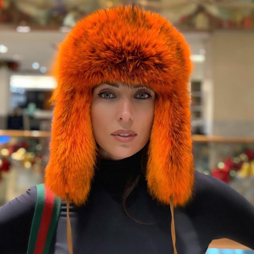Поклонники отметили, что втакой шапке Алсу похожа налисичку. «Рыжий вам клицу», «Какая чудесная шапка! Тоже такую хочу», «Цвет огонь! Уменя пальто такого оттенка», «Вам очень идет. Хи...