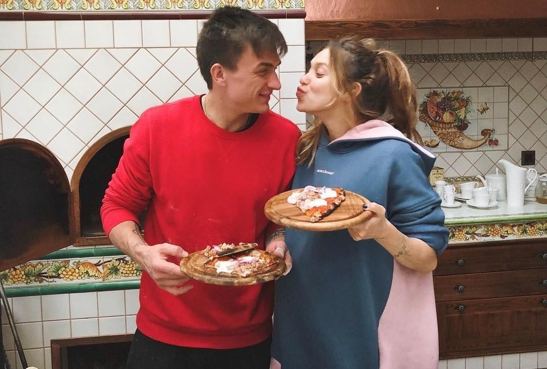 Регина Тодоренко и Влад Топалов стали родителями