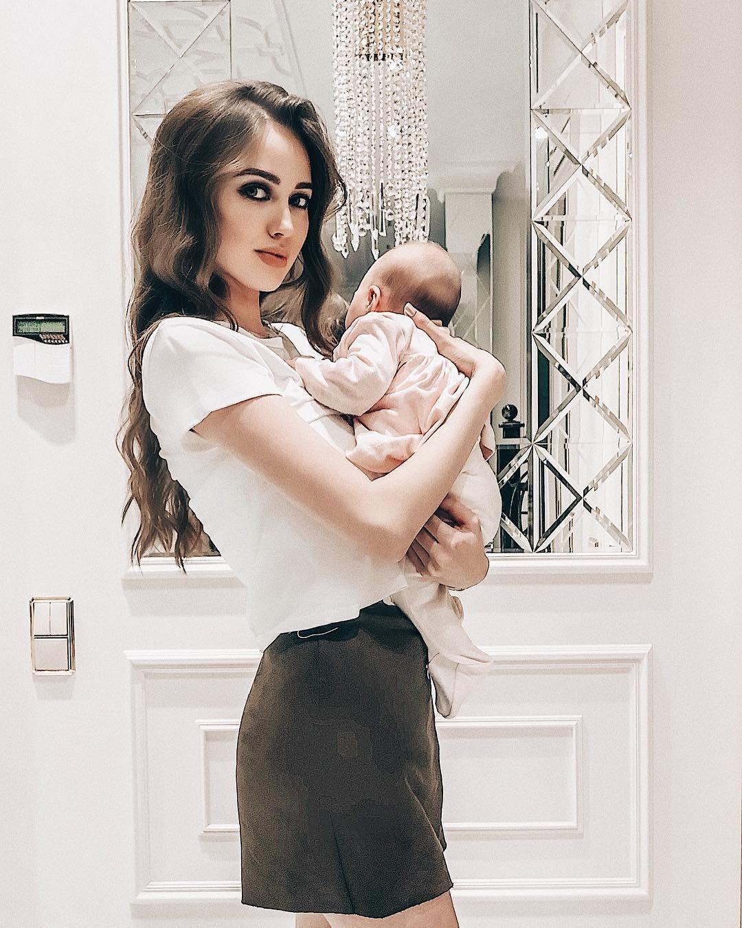 Анастасия Костенко поделилась снимком подросшей дочери