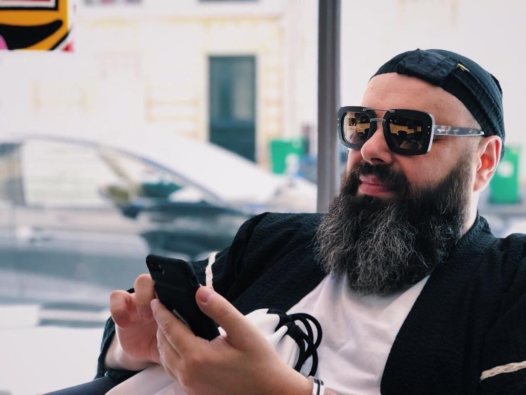 Максим Фадеев попросил девушек с накаченной грудью не участвовать в кастинге в SEREBRO