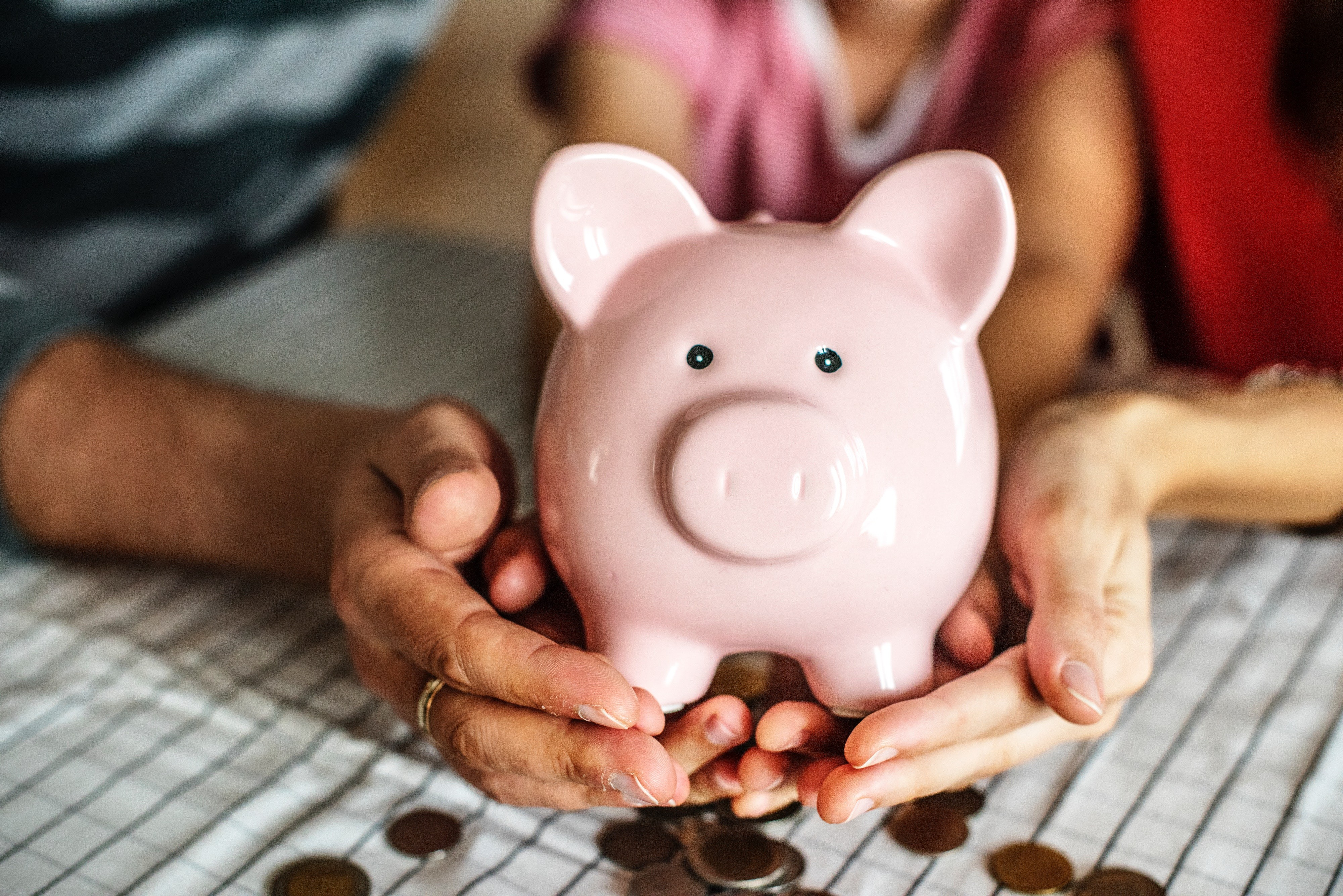 6 важных правил, как давать карманные деньги ребенку