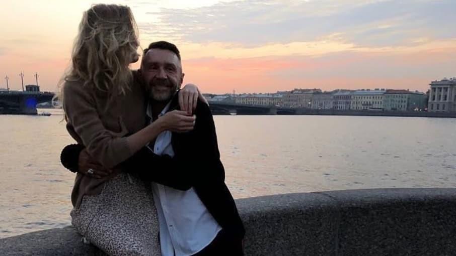 Сергей Шнуров объяснил, почему так быстро женился после развода с Матильдой