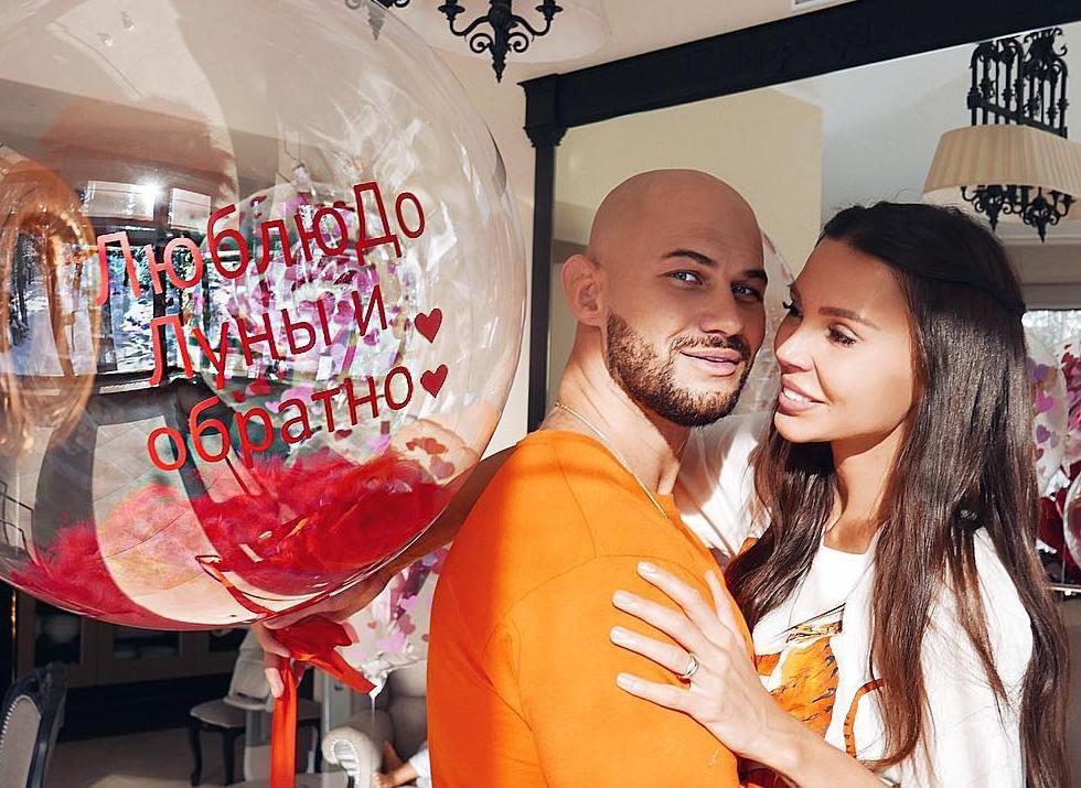 Любовь-морковь: как звезды отпраздновали 14 февраля