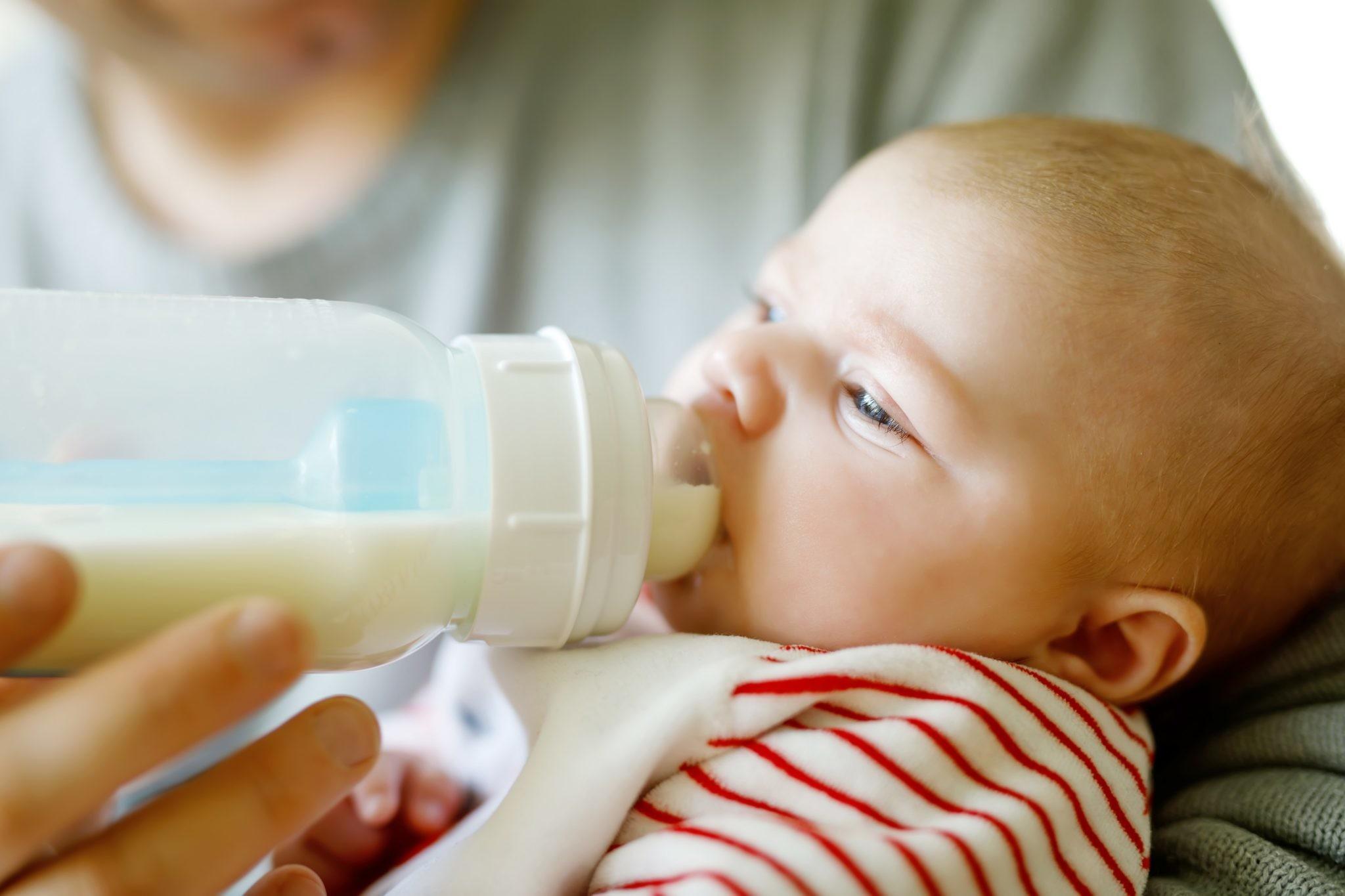 Аллергия на молоко у ребенка: как распознать и чем кормить