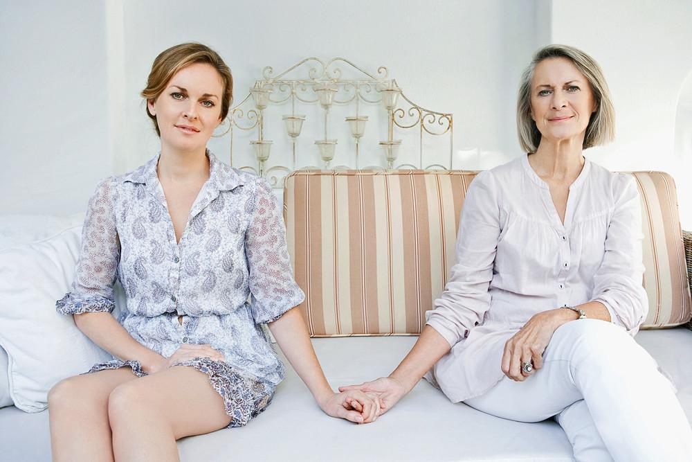 Дочки-матери: как выбраться из-под «маминого крыла»?