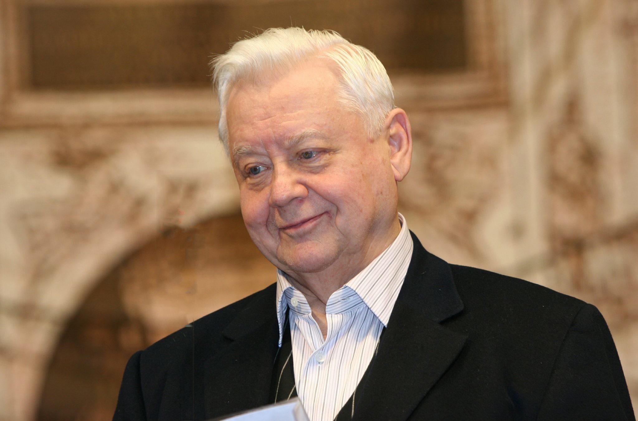 Звезды скорбят и вспоминают Олега Табакова