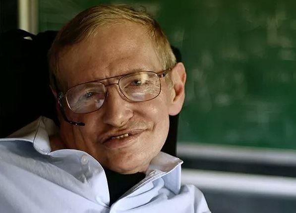 Умер самый известный ученый-физик: чем запомнится миру Стивен Хокинг?