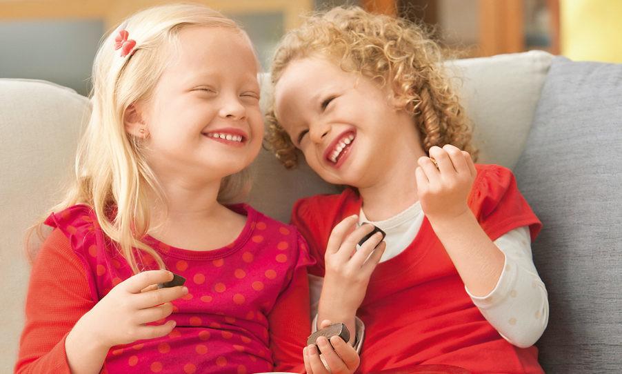 Как отучить ребенка от сладостей: советы врачей