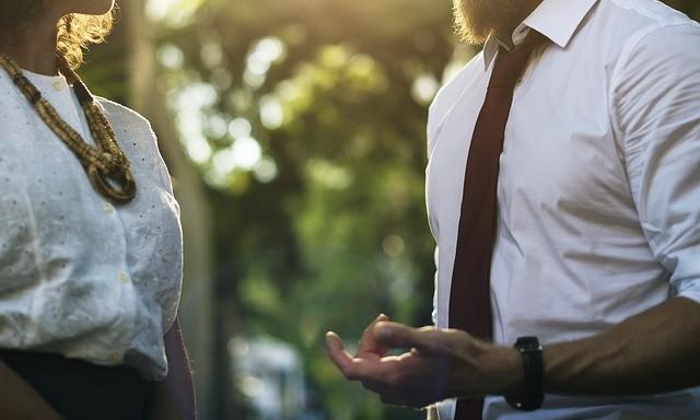 Как раскусить собеседника с первого взгляда? Советы астрологов