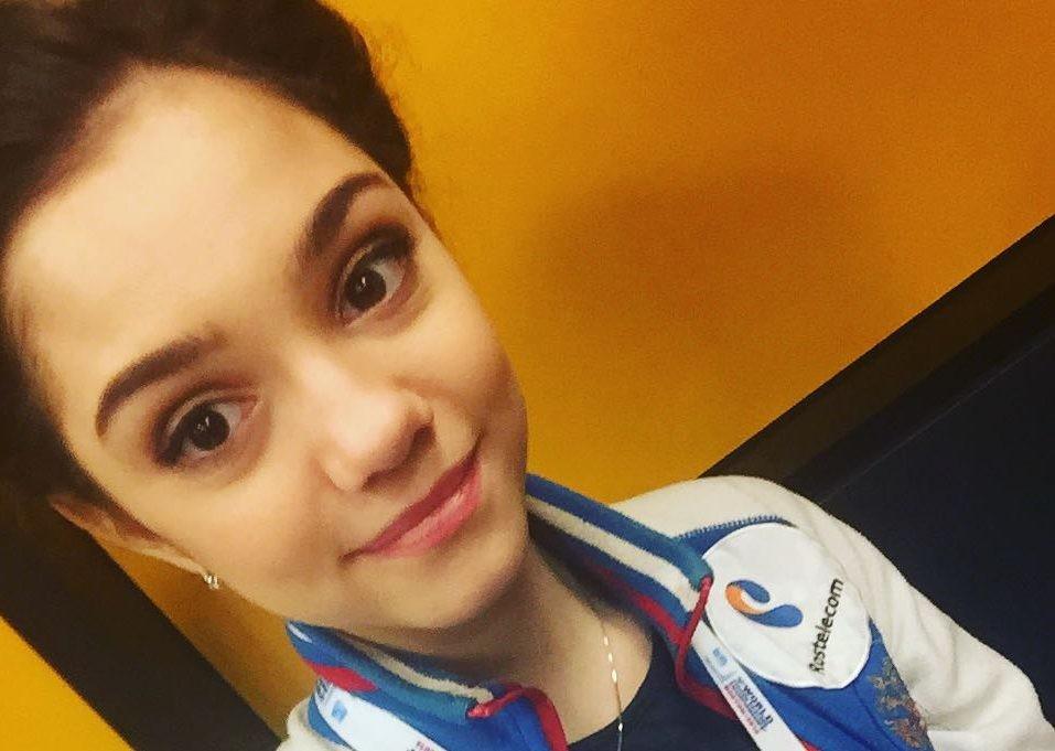 18-летняя Евгения Медведева рассказала, что носит исключительно драгоценности