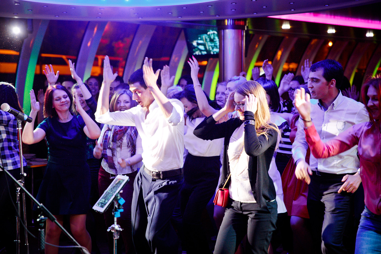 Танцуют все: встречай весну на спецрейсе Флотилии «Рэдиссон Ройал»