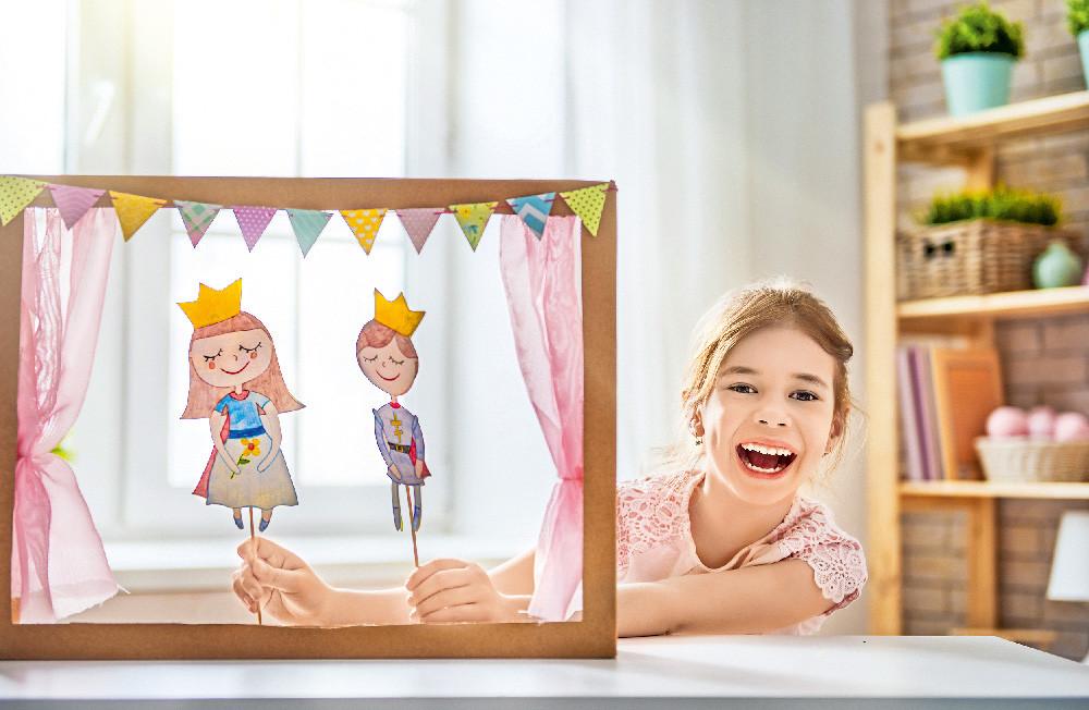 Как создать для ребенка картонный театр? 8 советов