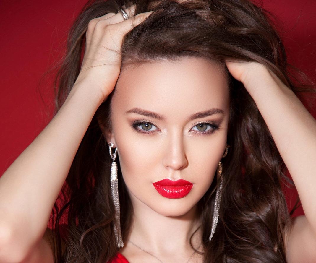 СМИ сообщили о госпитализации беременной Анастасии Костенко