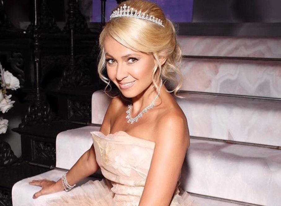 Яна Рудковская ответила хейтерам, что будет воспитывать сына еще жестче