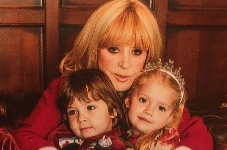 Дети Аллы Пугачевой и Максима Галкина получили гражданство Кипра