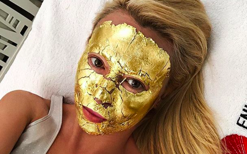 Вся правда о любимых «золотых масках» Яны Рудковской