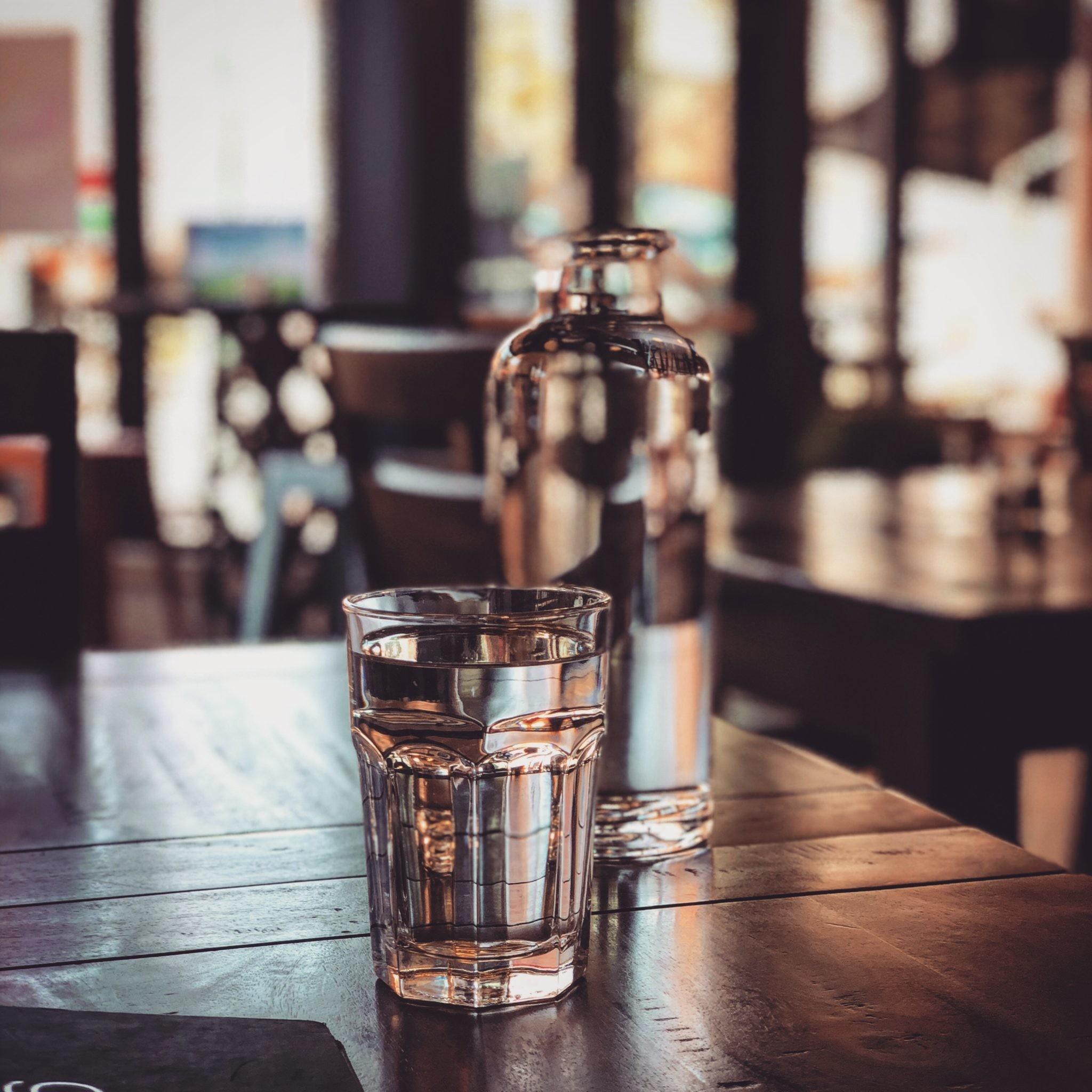 Как правильно пить воду? 4 принципа