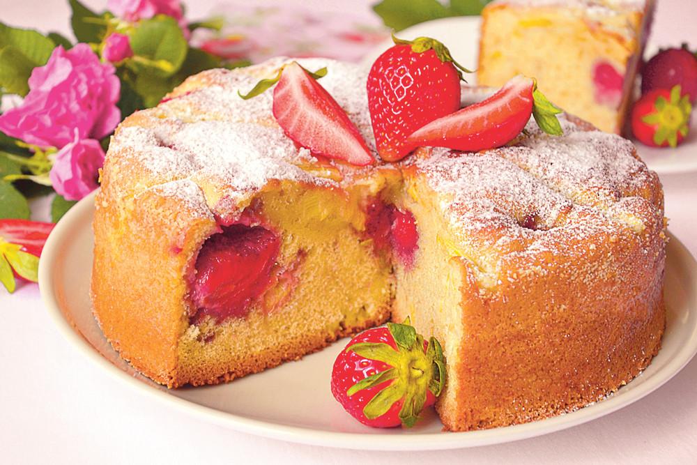 Торт «Первая ягодка»