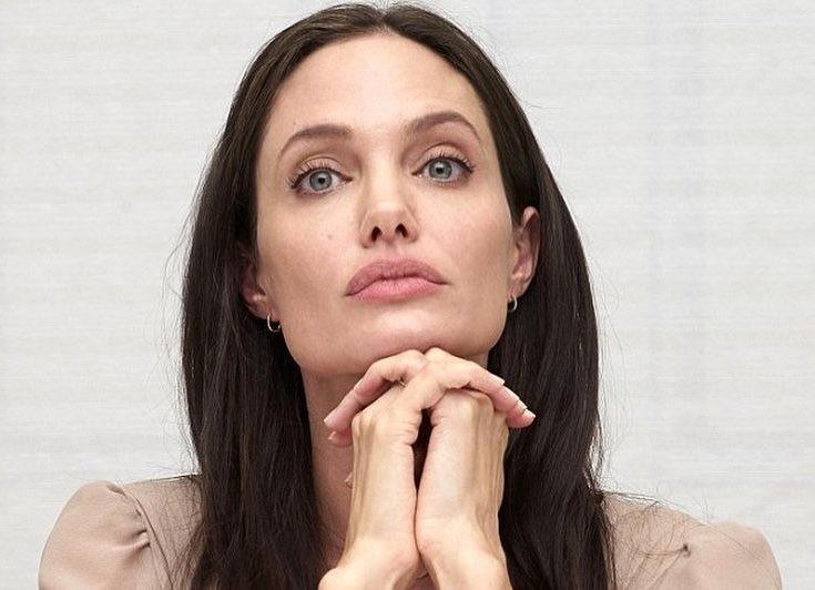 Анджелина Джоли в ярости: Брэд Питт лишает ее опеки над детьми
