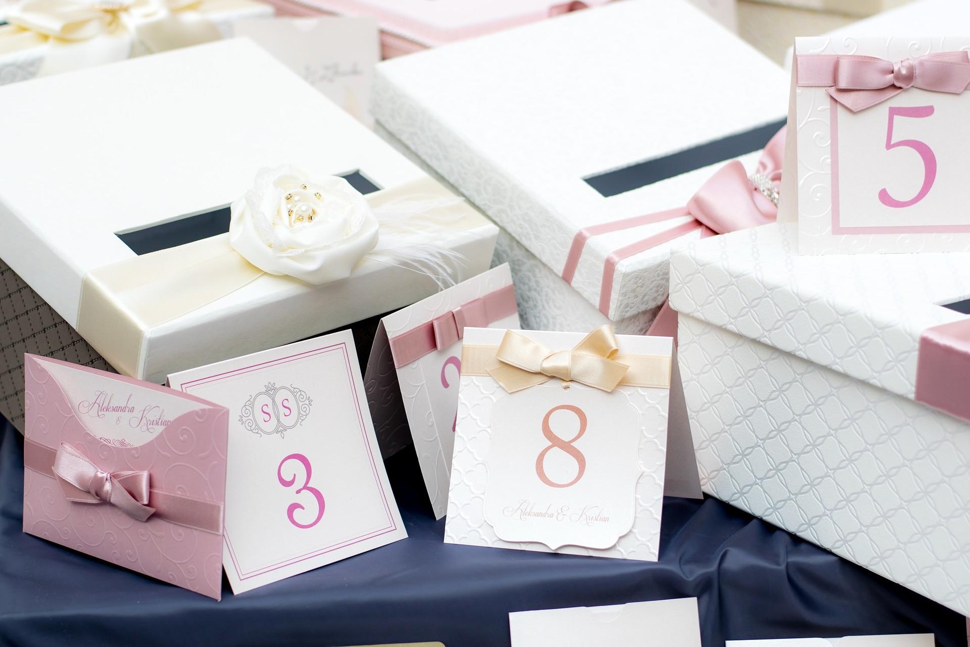 43 небанальные идеи, что подарить на свадьбу