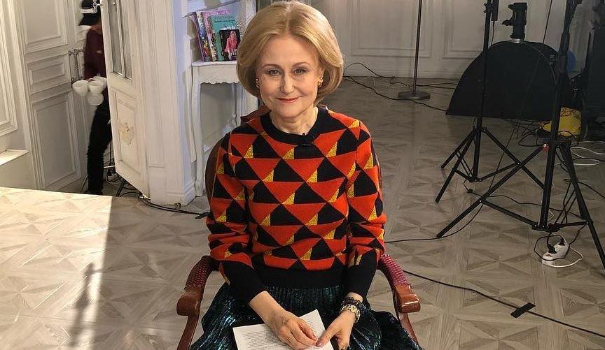 66-летняя Дарья Донцова похвасталась завидной растяжкой