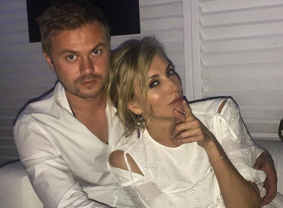 Светлана Бондарчук сверкнула помолвочным кольцом от молодого бойфренда