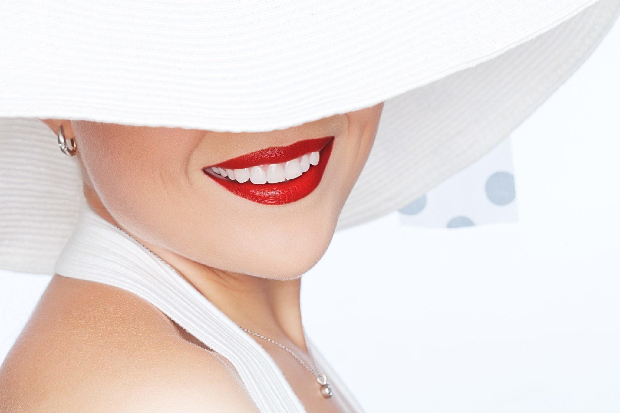 13 приемов, как отбелить зубы в домашних условиях