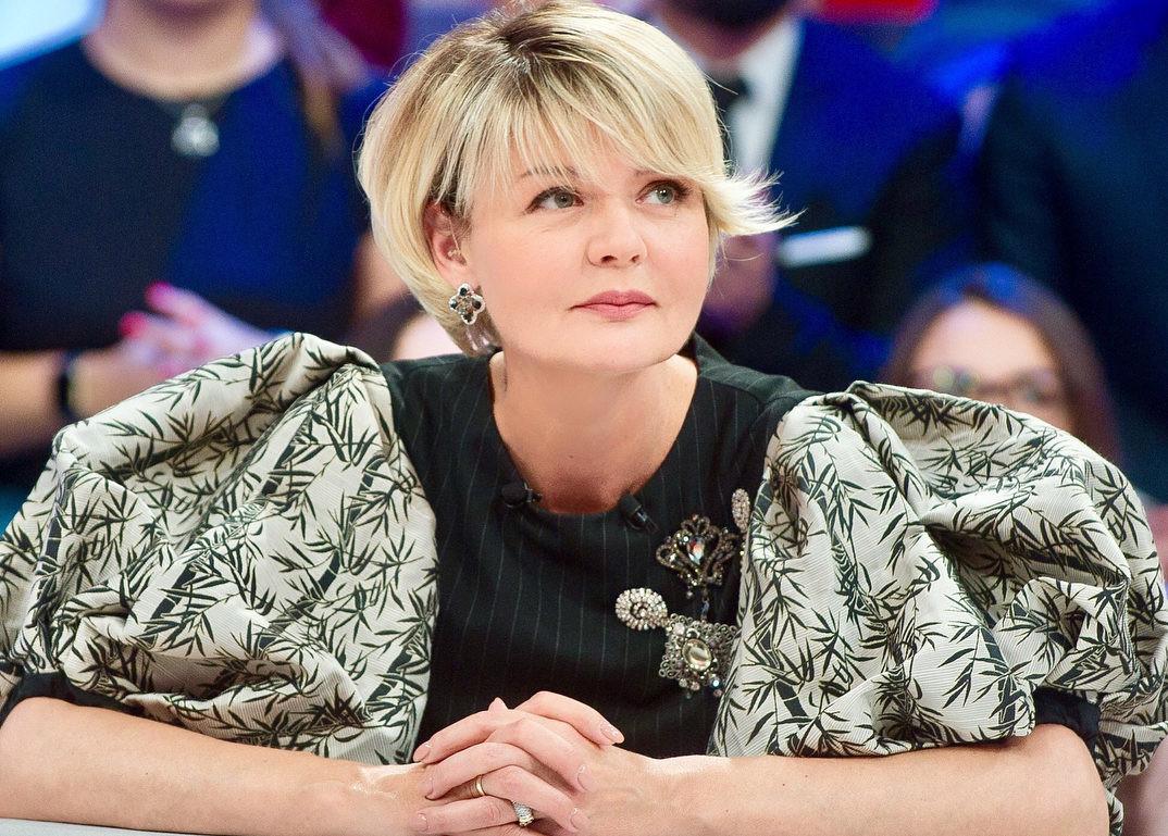 «Фигура уже не та!»: 48-летняя Юлия Меньшова впервые показала фото в купальнике